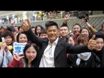 看看星闻 | 李南星《真实剧本》上海签售 自曝曾赌博迷失自己